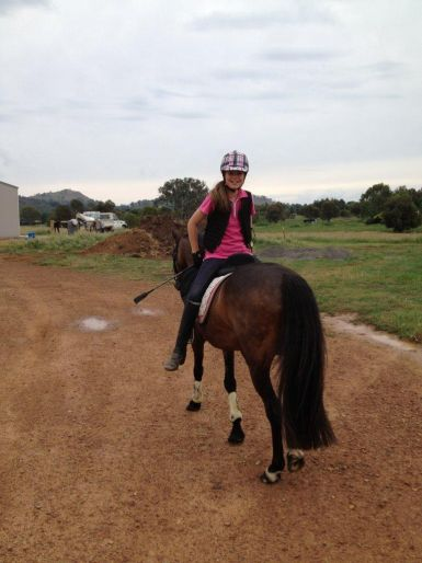 Tess riding backwards !!!!