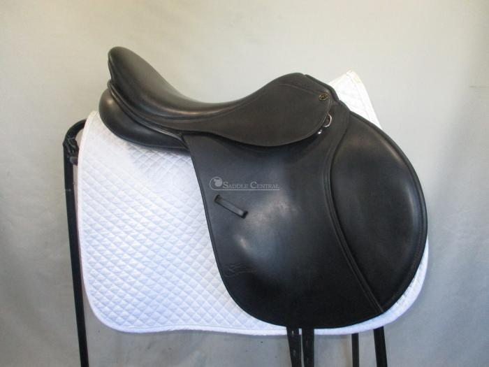 "Trainers Professional 17"" Jump Saddle"