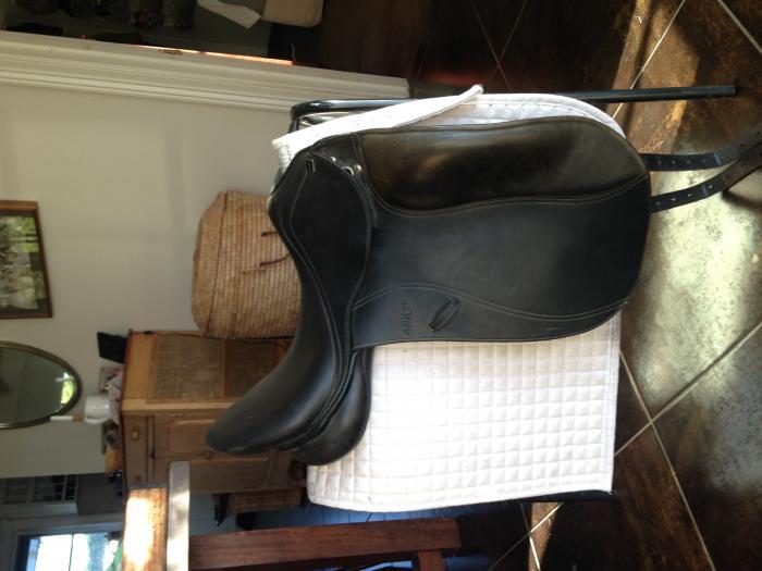 """Anky Pro 17"""" Dressage Saddle"""