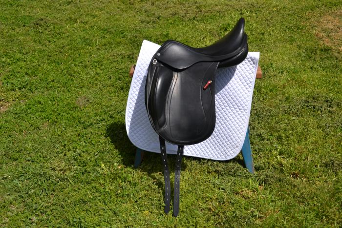 **reduced**AS NEW - Equipe Olympia Dressage Saddle