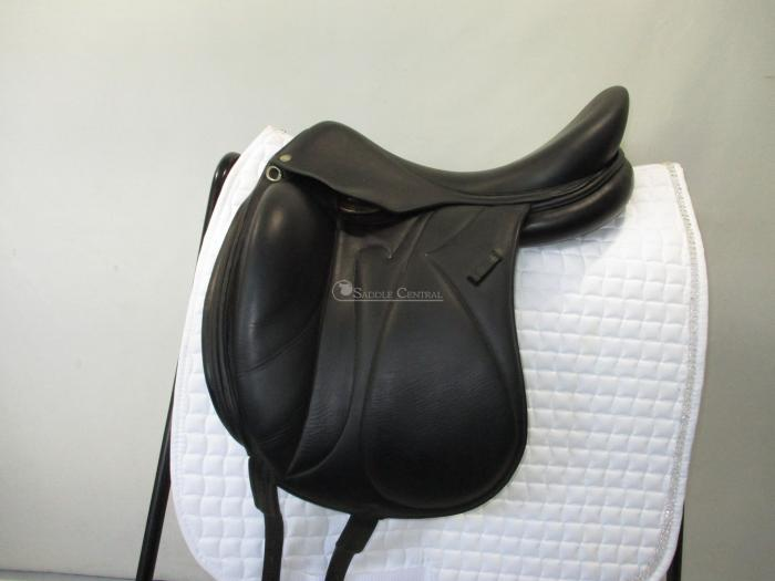 "Devoucoux Makila Monoflap 17.5"" Dressage Saddle"