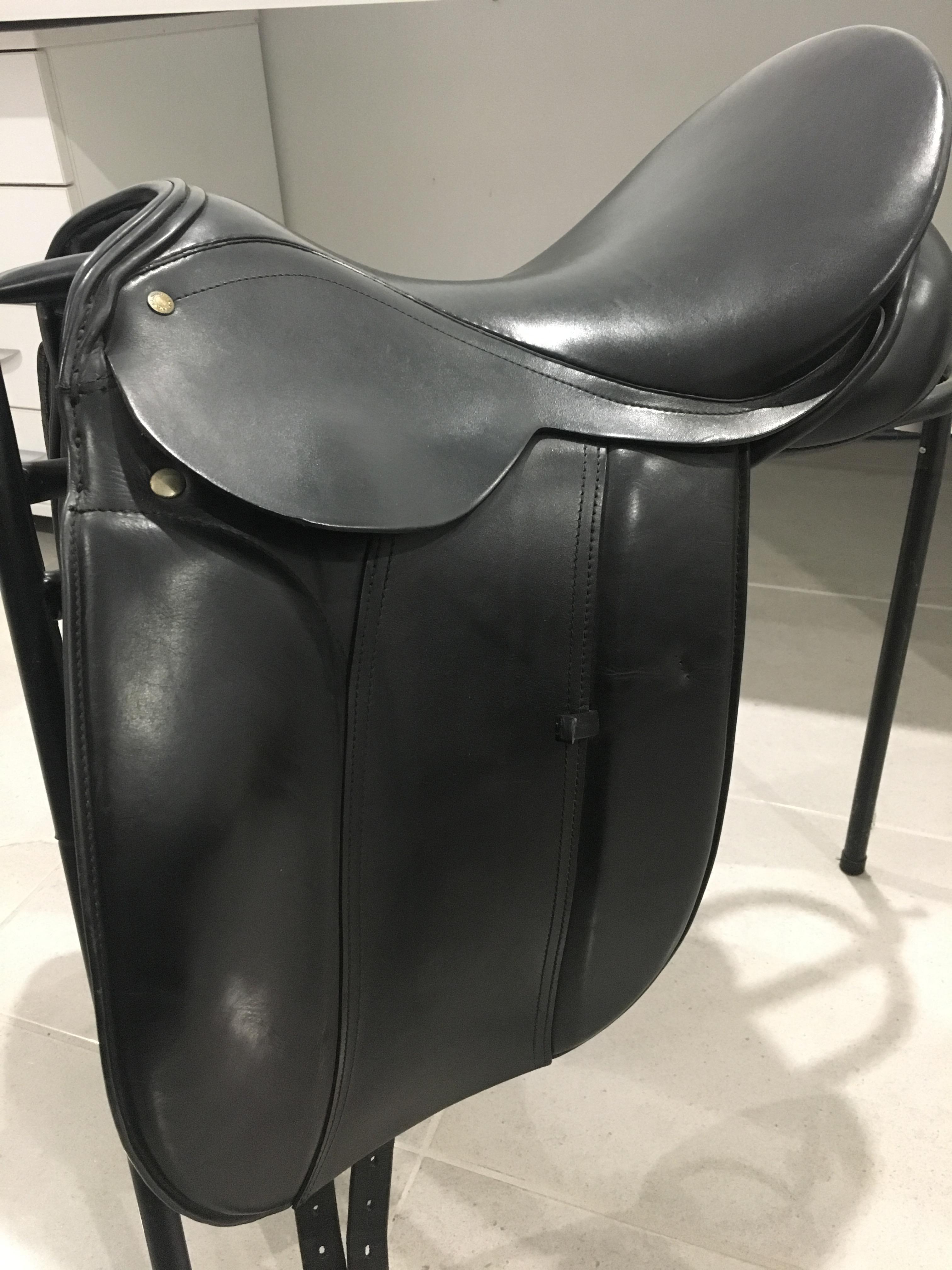 Wembly Dressage Saddle