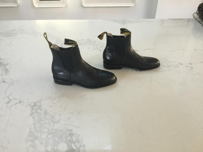Black Baxter riding boots size 4 never used