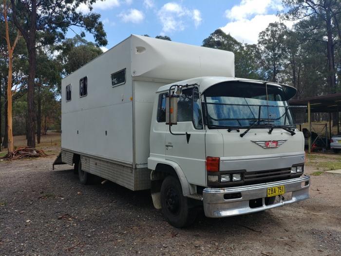 5 horse FD Hino truck