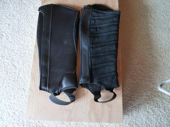 DUBLIN LEATHER AND SUEDE BLACK HALF CHAPS