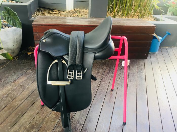 16.5 Inch Dressage Saddle