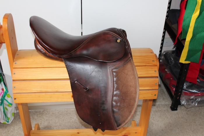 "Bates Esperance Saddle 15"""