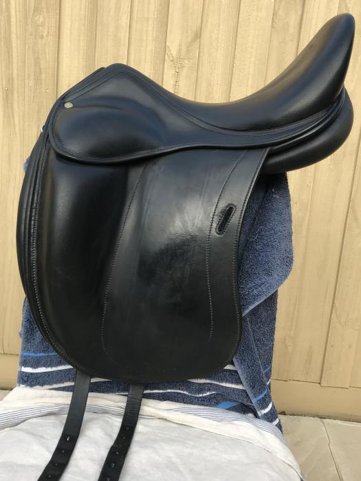 Luc Childeric DAC Dressage Saddle *PRICE REDUCED*