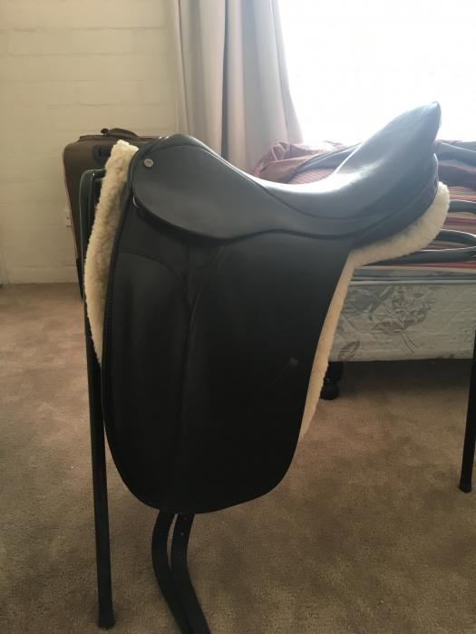 """County Competitor 16.5"""" Black Saddle"""
