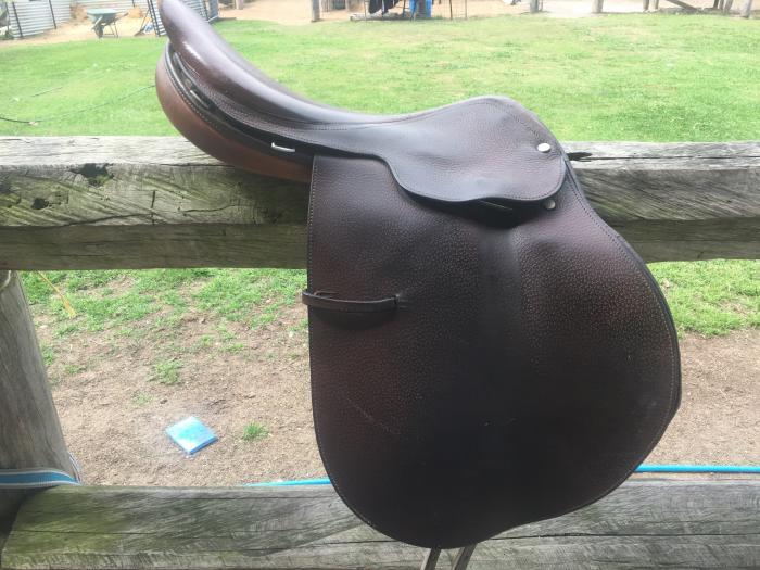 """17"""" Crosby Jumping saddle"""