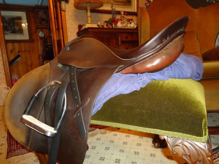 Stubben Siegfried  17,5'' jump saddle (Postage ok)