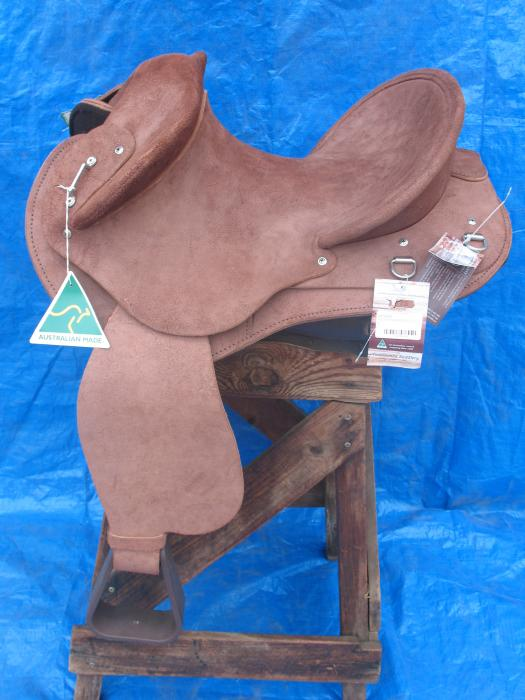 TOOWOOMBA SADDLERY YOUTHS FENDER 14""