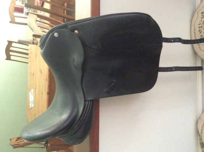 "Frank Baines Omni dressage 17 "" saddle"