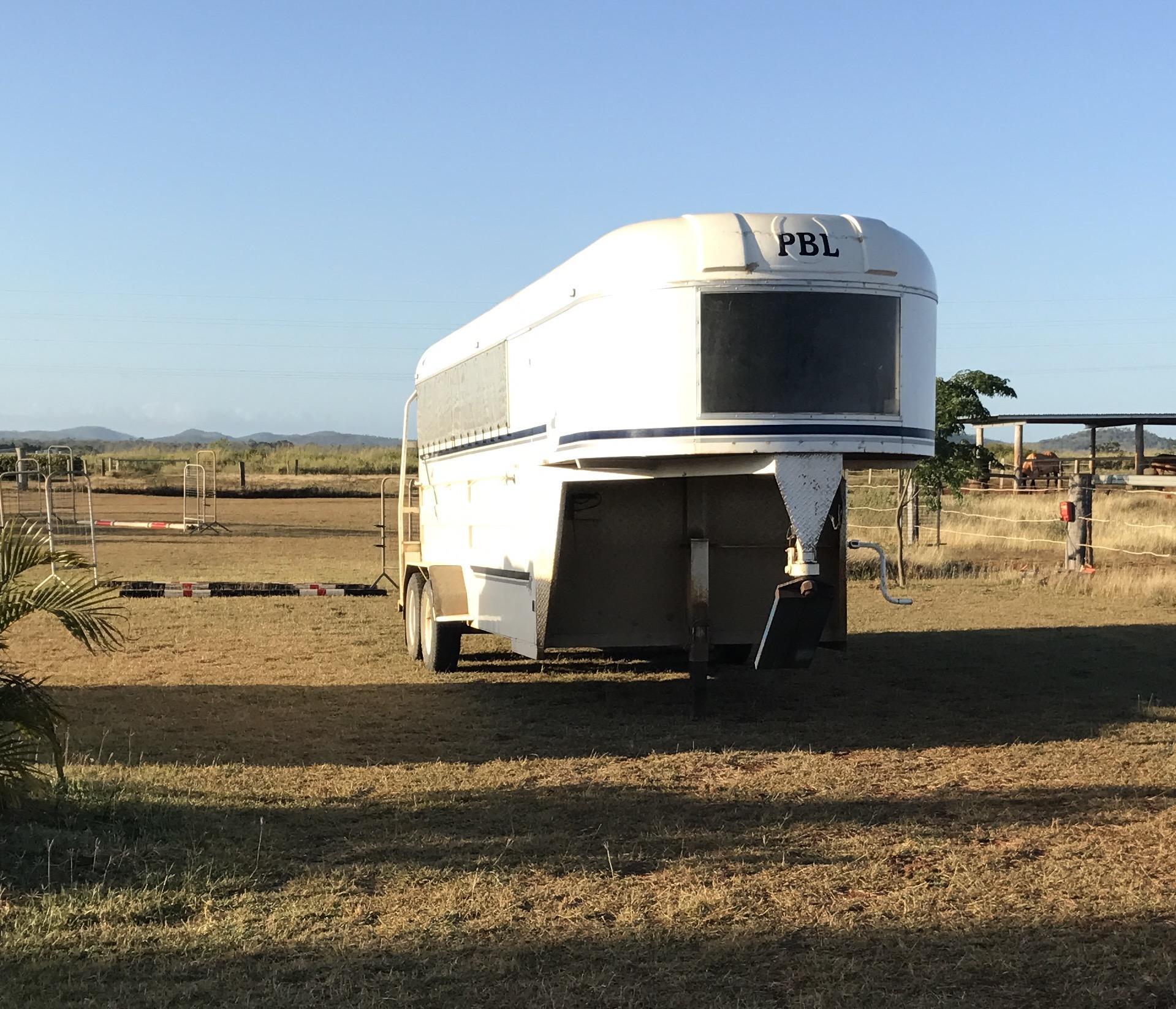 4 horse angle load gooseneck