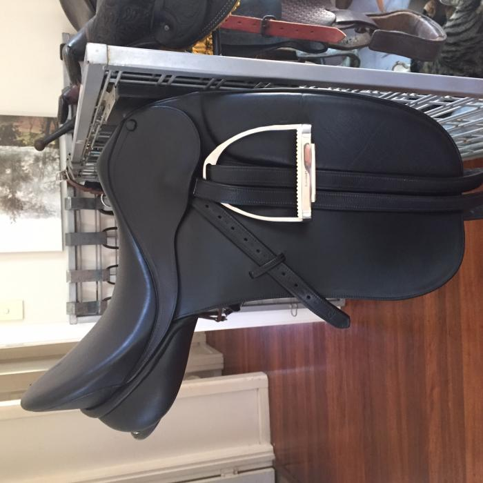 Bates Caprilli Show/Dressage Saddle