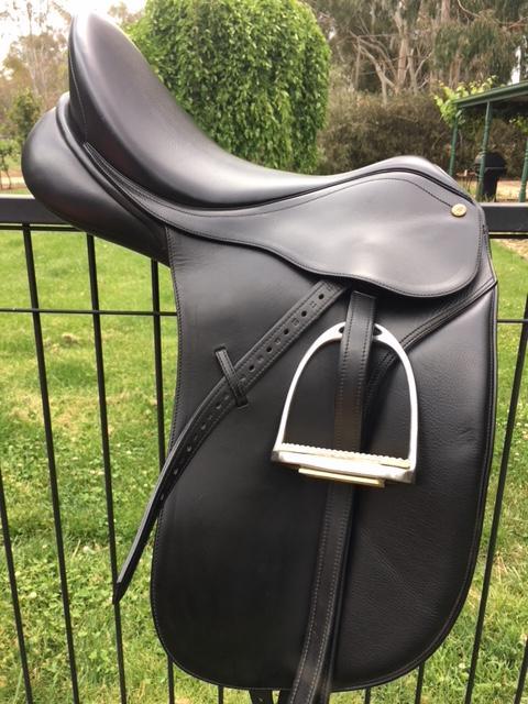 Bates Caprilli Dressage Saddle 17in Black