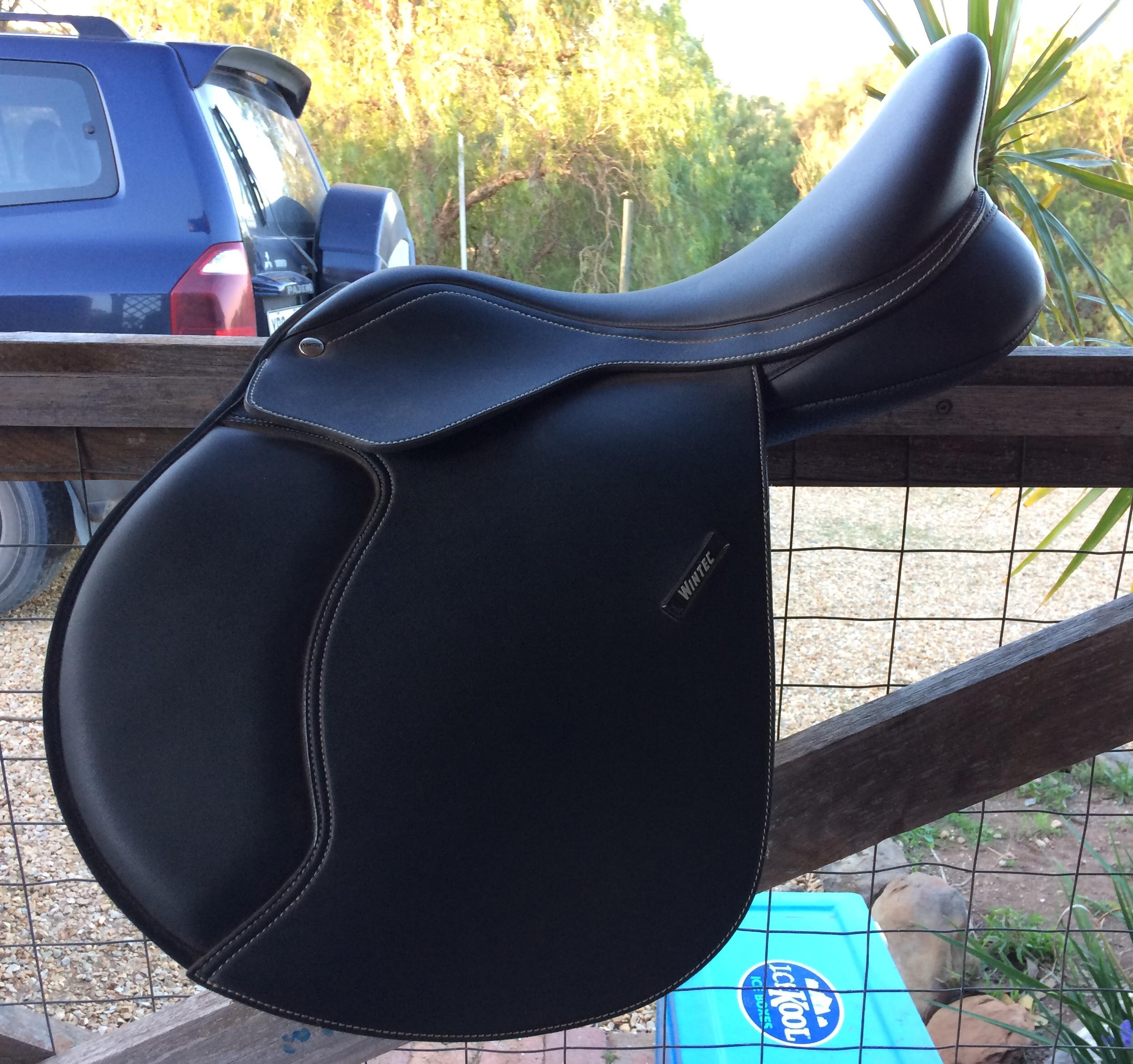 Wintec 500 jumping saddle 17""