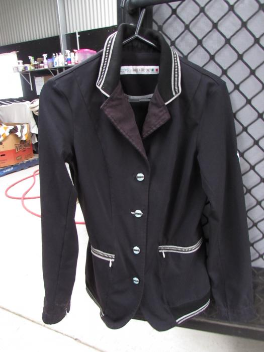 ANIMO Show Jacket
