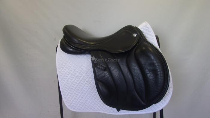 "Diamonte 16.5"" Jump Saddle"