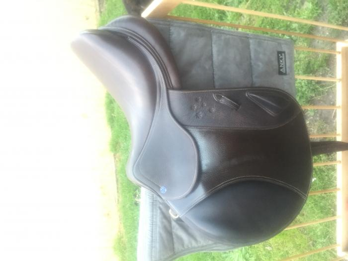 """Southern Stars Eventing Saddle 17"""" Brown"""