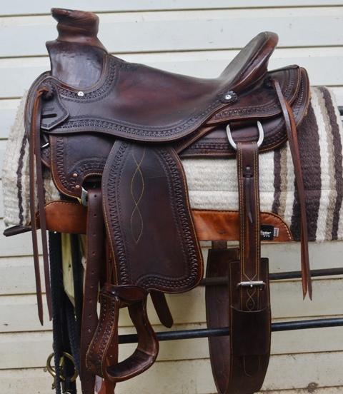 """Wade Western Saddle 16"""" FQHB fully mounted"""