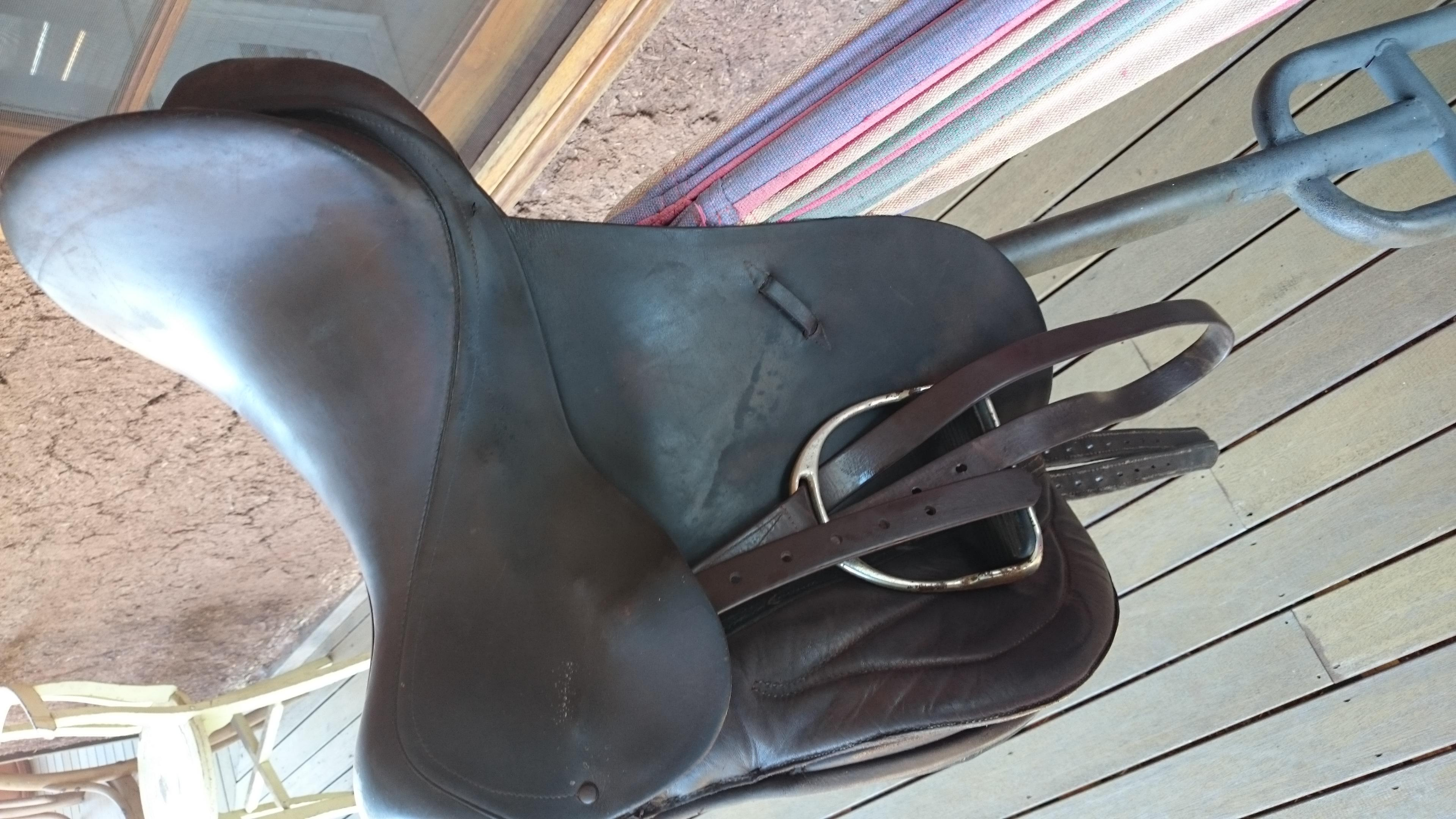 "Bates Brown AP 17"" saddle"