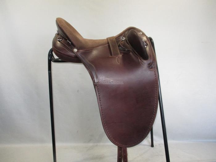 """Syd Hill 17"""" Stock Saddle"""