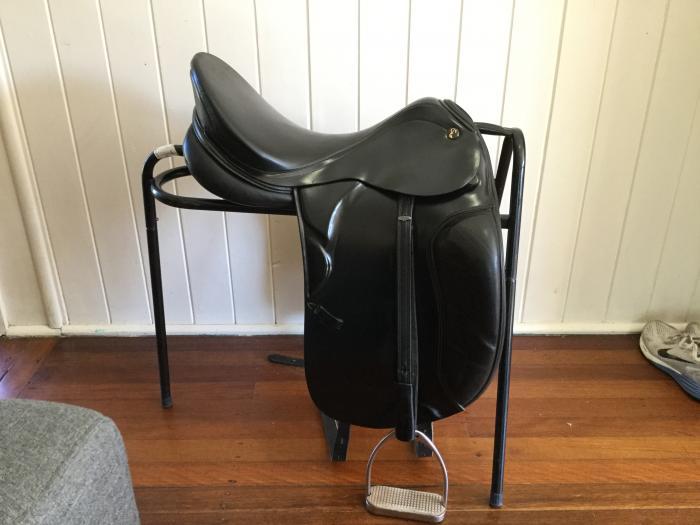 Prestige doge dressage saddle