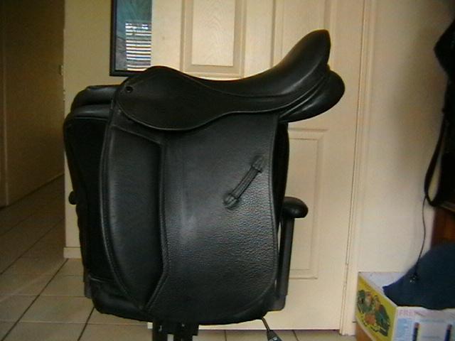Bentley Pony dressage or show saddle