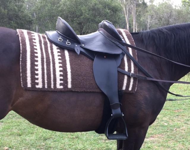 Schuelein Fender Saddle