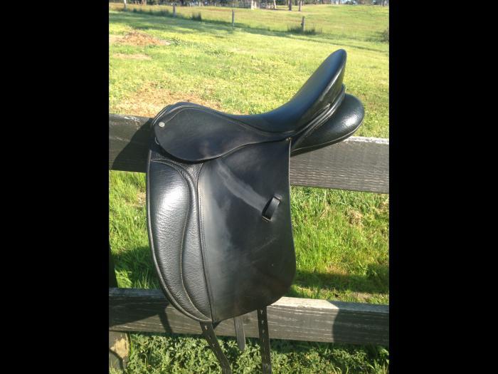 Peter Horobin black dressage saddle