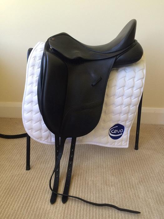 Bates Isabell Dressage Saddle Black 17""