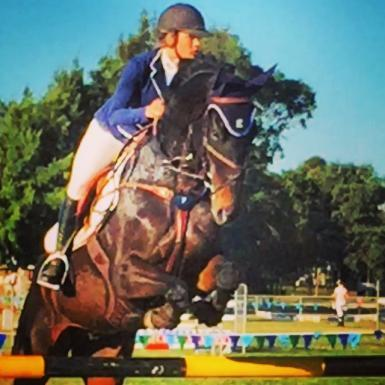 OUTSTANDING SHOWJUMPER
