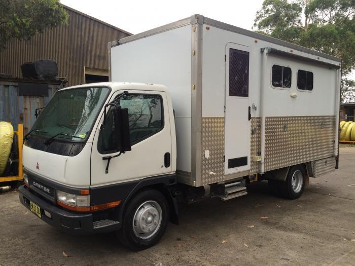 2002 Mitsubishi Canter - 2 Horse Truck