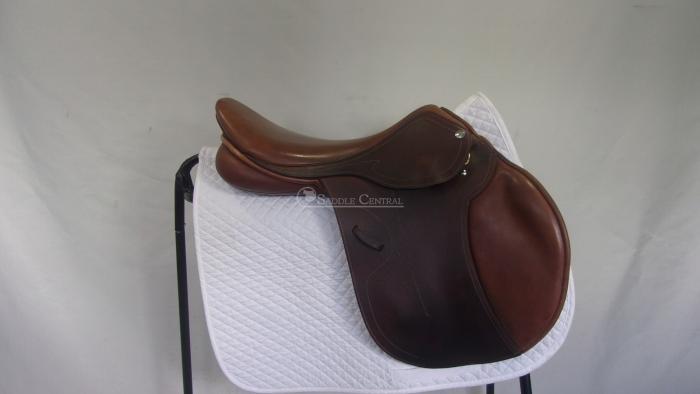 """Pessoa Legacy XP3 17.5"""" Jump Saddle"""