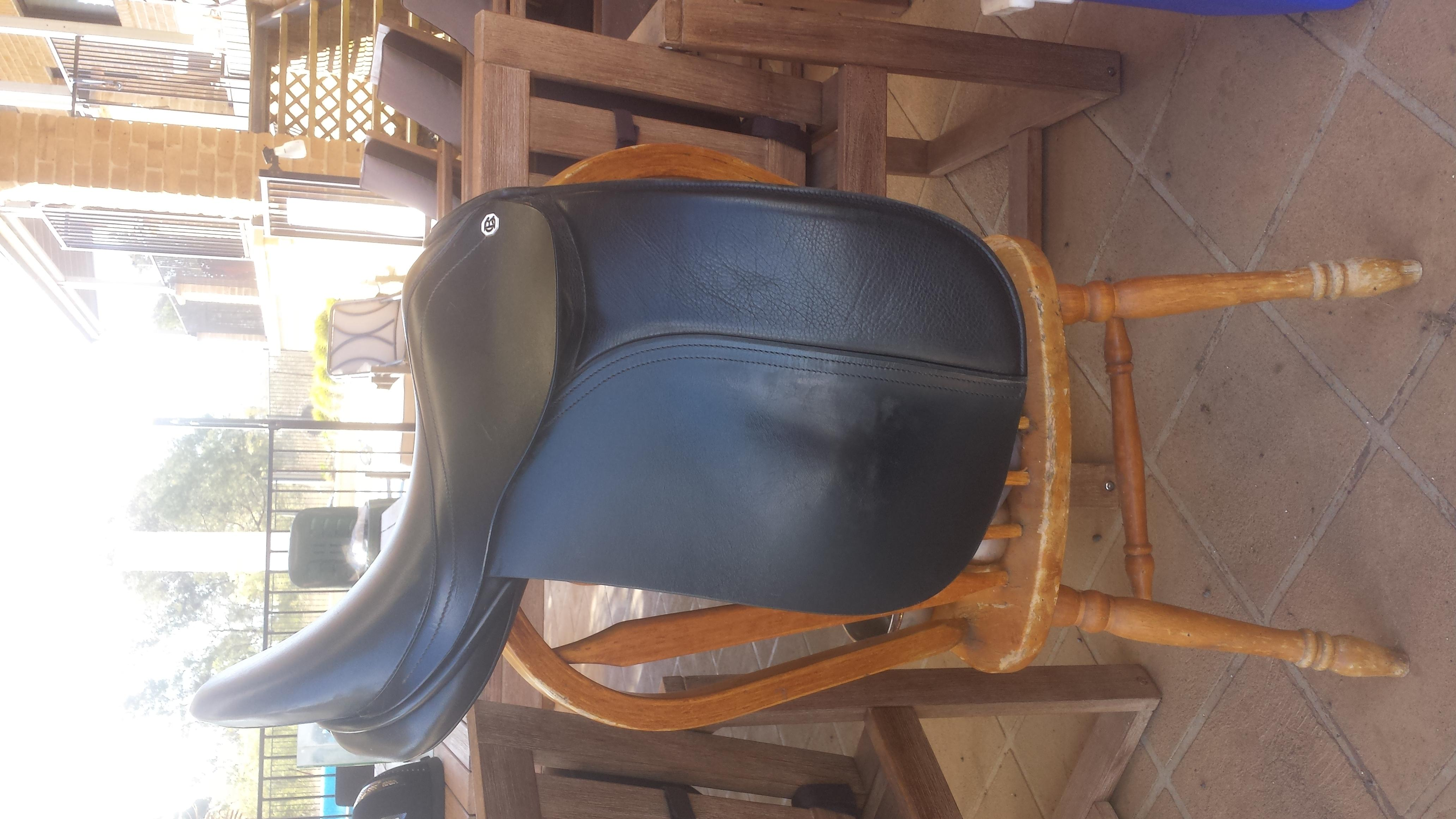 "Barnsby 16"" Dressage Saddle"