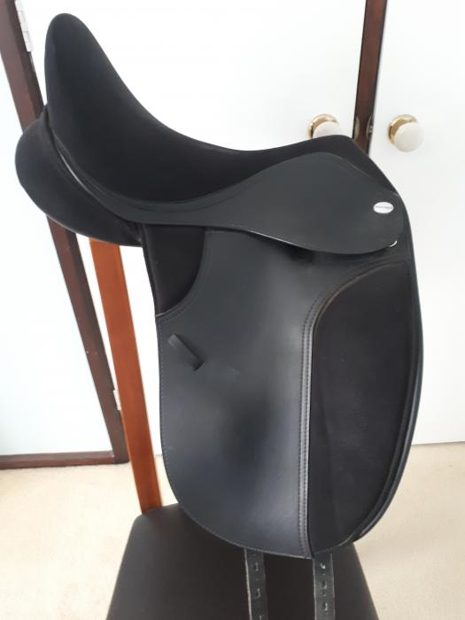 "17.5"" Thorowgood T4 High Wither Dressage Saddle"