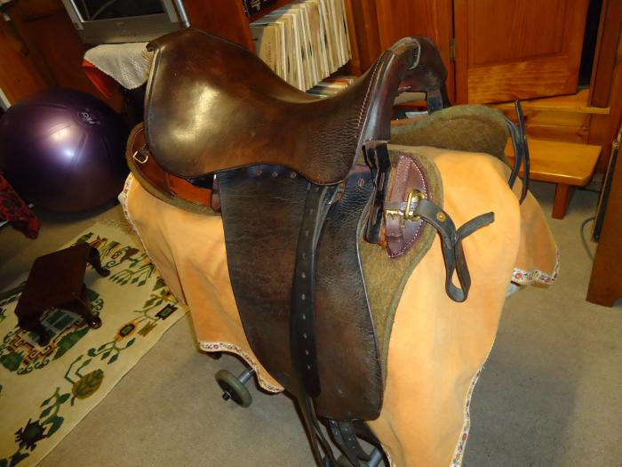 Military Saddle  original Fixed Tree (Can Post)