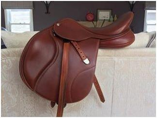 16.5 inch Bates elevation saddle barely used