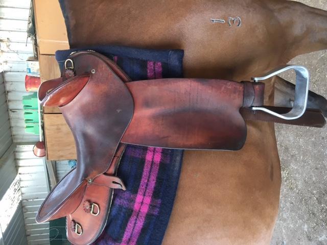 fender saddle