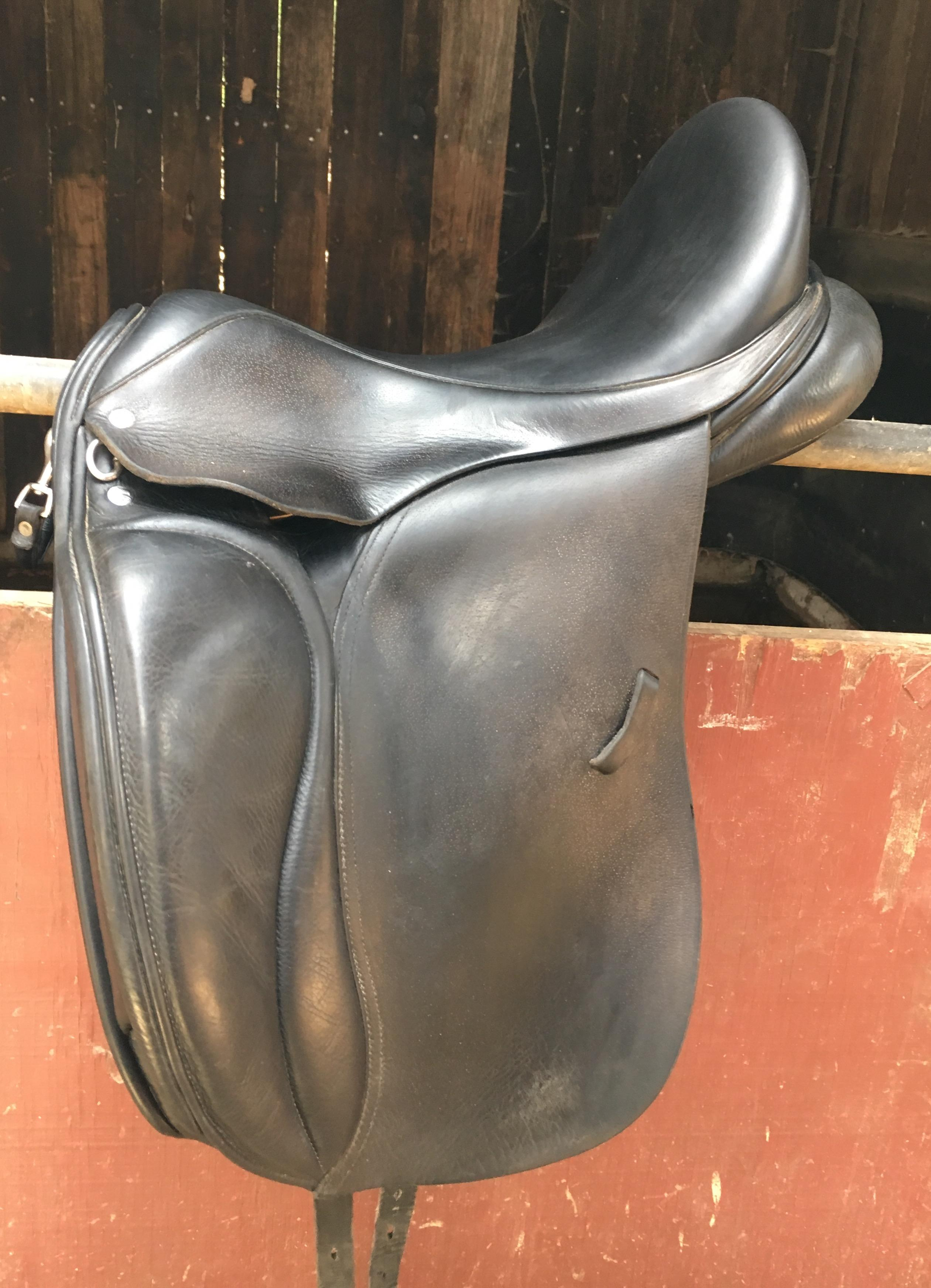 Loxley Bliss Dressage saddle