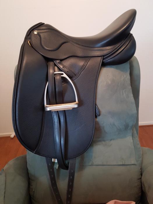 """Peter Horobin 17.5"""" Amazone Saddle"""