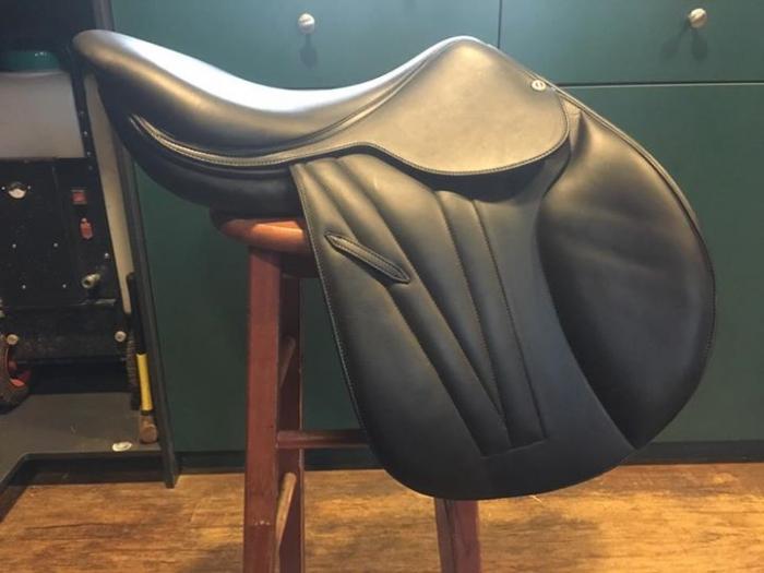 Black Butet 17 inch Jumping Saddle