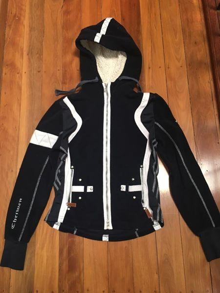 Chriwen Womanly Hoodie size sml