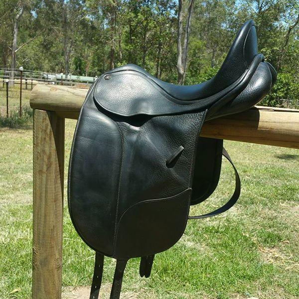 Bates Isabell werth dressage saddle $1200 ono