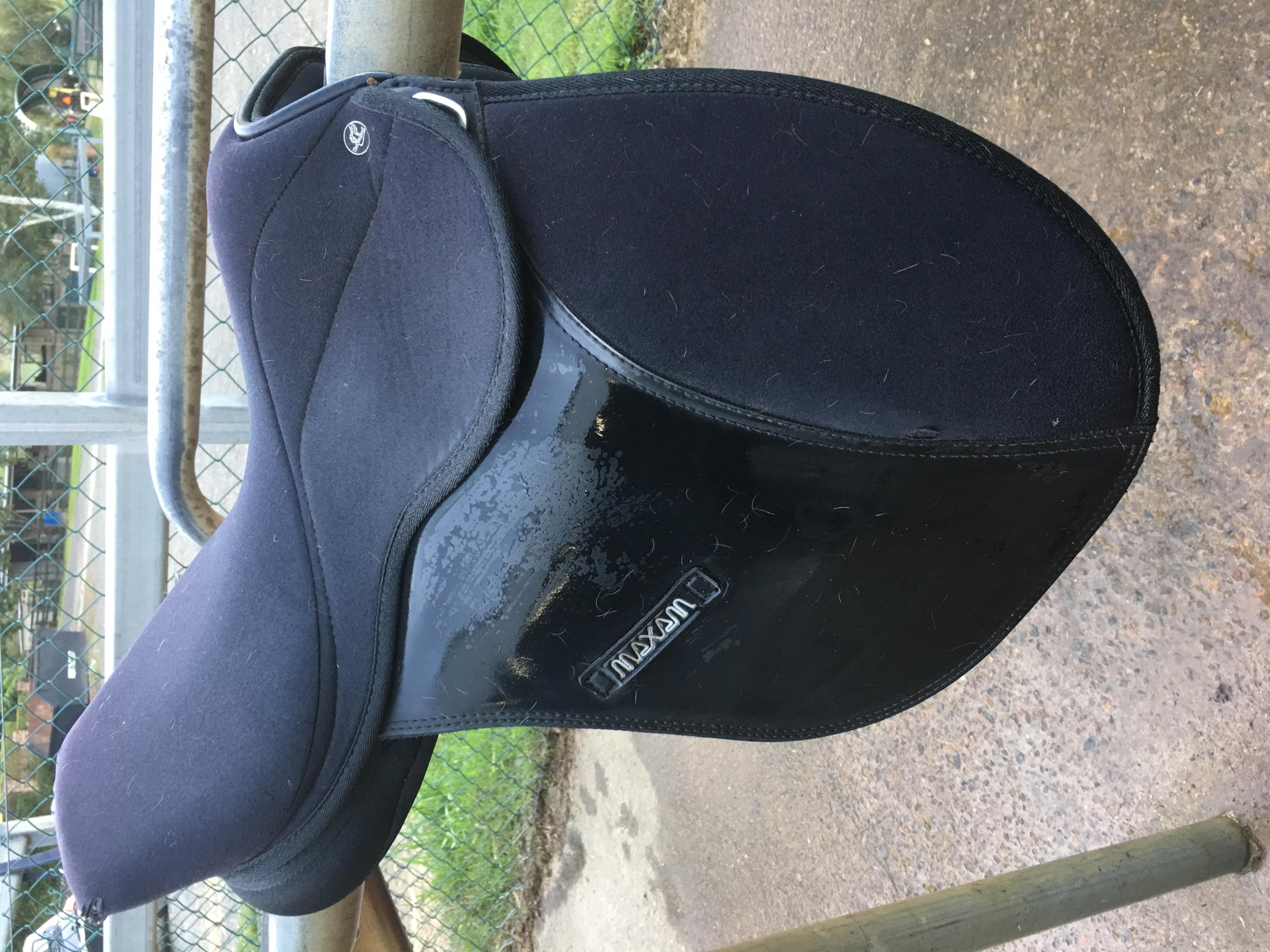 Child's synthetic all purpose saddle