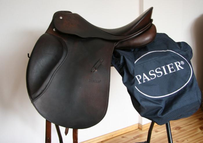 """PASSIER OPTIMUM II 17""""/M dressage saddle"""
