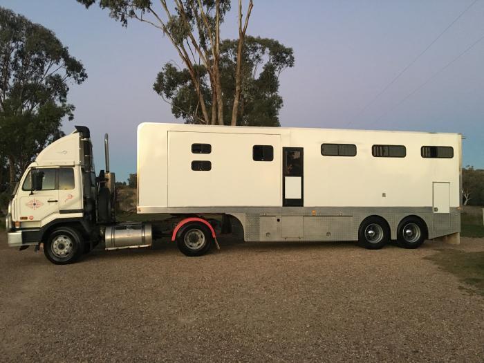 6 Horse Trailer & Prime Mover