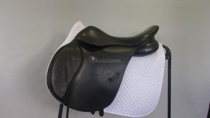 "Kent & Masters Flat Back GP 17.5"" Saddle"