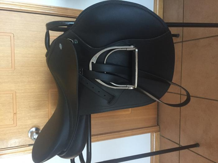 "Black Tekna 17.5"" All Purpose Saddle"